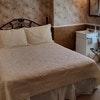 Queen Room with En Suite Bath (#11)