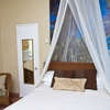 Queen double shower Holiday Rate