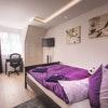 Flex, 1 Pers: Villa, Superior Queensize-room w shared bathroom a)