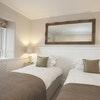 room 7 Comfort Twin/Double with off-suite Bathroom
