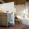 Habitación con bañera y vistas panorámicas Standard