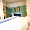 Room 9: king bed en-suite