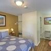 Simple Room, 1 Queen Bed