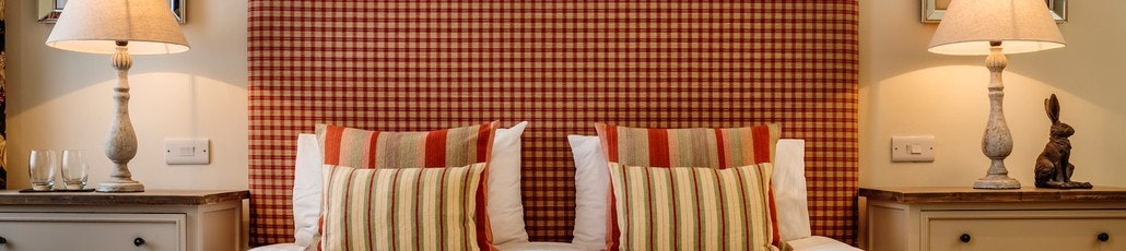 Room 1 1080 x 1920