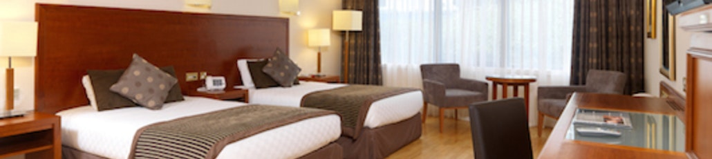 Full thistle abdn airport rooms accessible twin